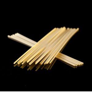 Les Bucatini sont des spaghetti avec un trou au milieu. Pâte enfin disponible à la boutique de pates artisanales Les Bonnes Pâtes