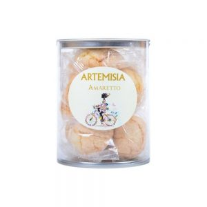 Moelleux à l'amande, les amaretti de Artemisia sont des biscuits incontournables!