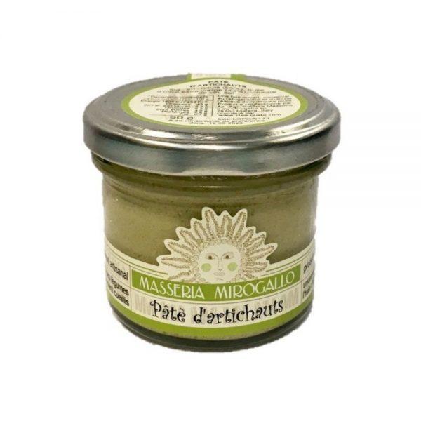 Petit pot de pâté d'artichauts à tartiner pour l'apéritif italien.