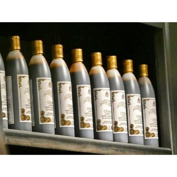 Tout simple à utliser, la créme à base de vinaigre balsamique de Modène IGP de Giusti fait l'unanimité