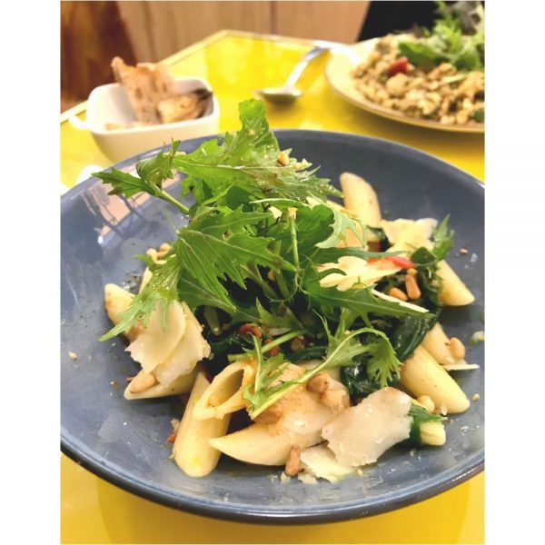 Assiette de penne Benedetto Cavalieri accomodées en salade.