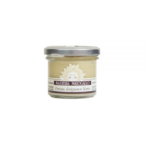 Petit pot de crème d'oignons blancs à tartiner pour l'apéritif italien ou pour relever vos plats.