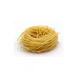 Vente des pâtes extra fines Barba de Fabbri dans l'épicerie italienne rennaise.
