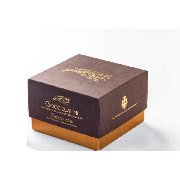Association du chocolat des maîtres piémontais et du balsamique 12 ans Giuseppe Giusti de Modène.