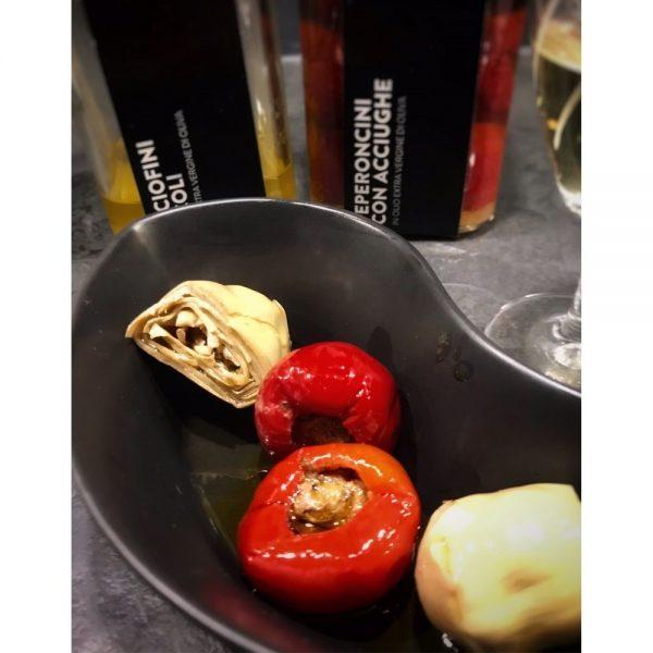 Petits antipasti naturels et délicieux en boutique italienne Les Bonnes Pâtes